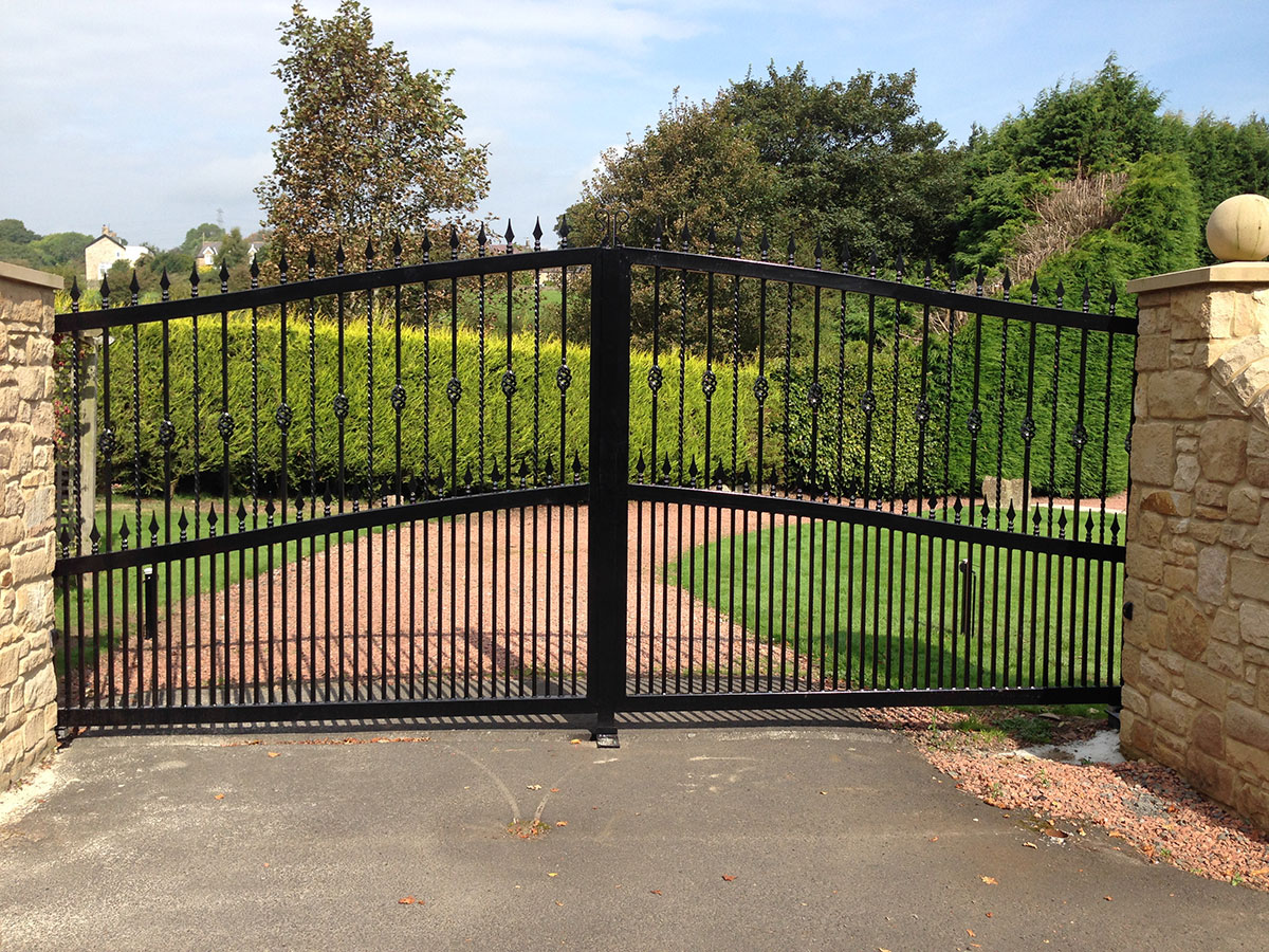 Designs in Steel - Wrought iron and steel gates and ...